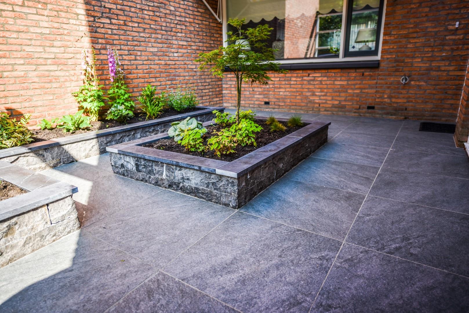 Tuin Met Keramische Tegels.Tuin Met Keramische Tegels Eikelenboom Groenprojecten
